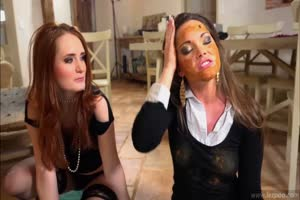 www.cutepoo.tk -  Honey's Lesbian Shit Dinner